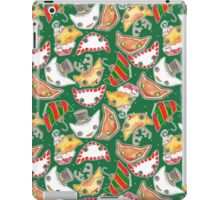 """""""Oro?"""" Christmas Forest Green iPad Case/Skin"""