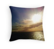 Sunsetting over the River Tay, Dundee Throw Pillow