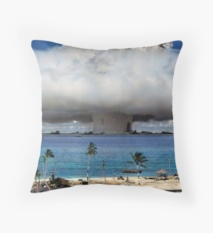 Colorized Operation Crossroads Baker, Bikini Atoll,1946 Throw Pillow