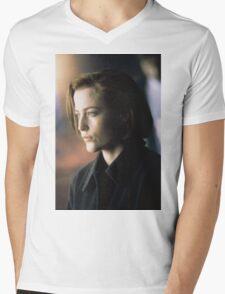 DANA SCULLY ALIEN AMAZING Mens V-Neck T-Shirt