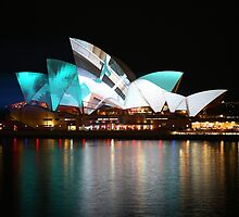 The Opera House - Sydney Vivid Festival by kcy011