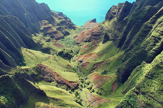 Na Pali Coast in Kauai, Hawaii by kcy011