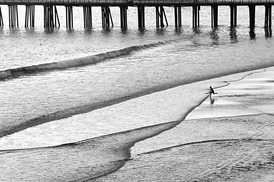 Skim Surfing by Eyal Nahmias