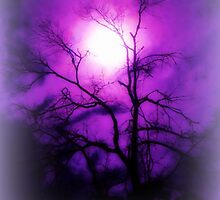 errie glow by LisaDU