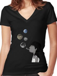 Blowing planets Women's Fitted V-Neck T-Shirt