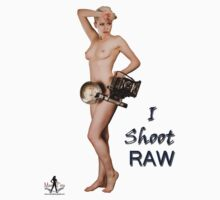 I Shoot RAW -  T-Shirt