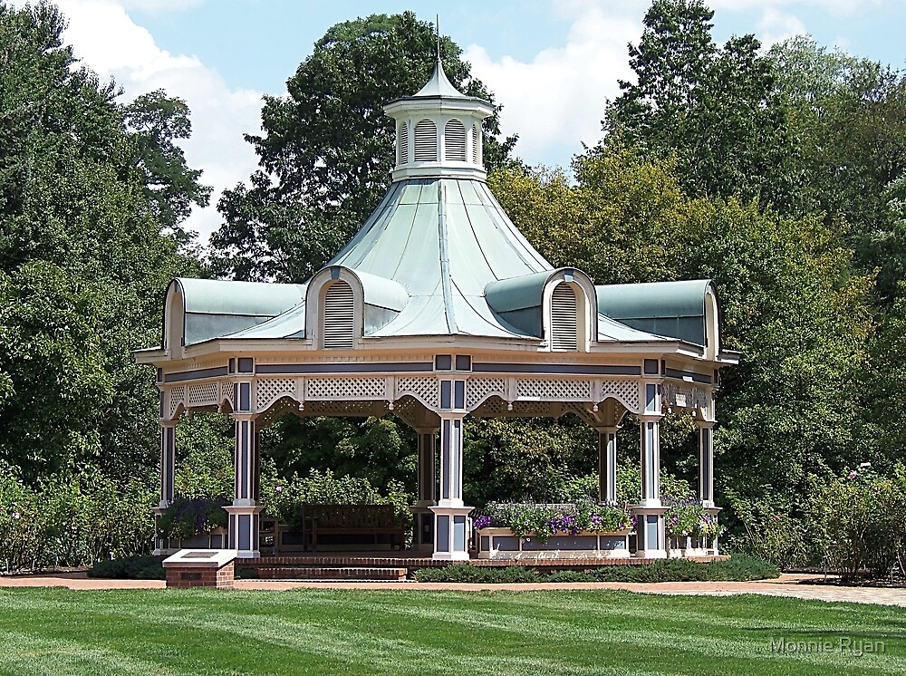 Victorian Splendor by Monnie Ryan