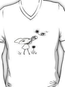 macro girl, bee & dandelion T-Shirt