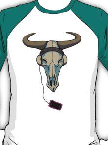 Skull likes music too T-Shirt