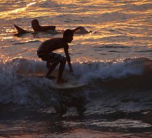 Surf In Gold Surf In Mexico - Surf Oro Surf En Mexico by Bernhard Matejka