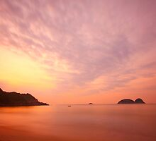 Sunrise along the coast in Hong Kong by kawing921