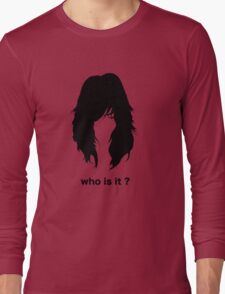 who is it 2 Long Sleeve T-Shirt