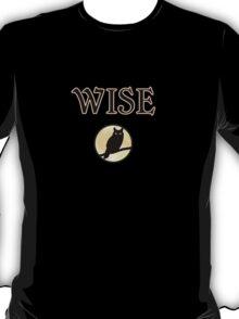 wise owl dark Halloween night T-Shirt