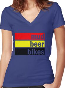 Mud, beer and bikes Women's Fitted V-Neck T-Shirt