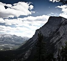 Mt. Rundle from another viewpoint by nichendrik