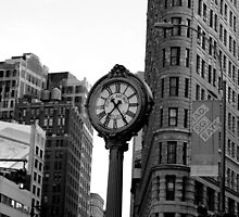 5th Avenue and the Flatiron Building by Laura Potter-Dunn