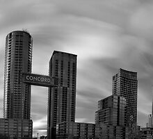 Windy city! by Gary Cummins
