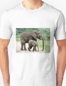 SIDE BY SIDE - THE AFRICAN ELEPHANT – Loxodonta Africana - Afrika Olifant T-Shirt