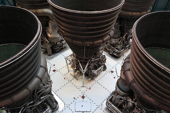 Saturn V engines by zumi