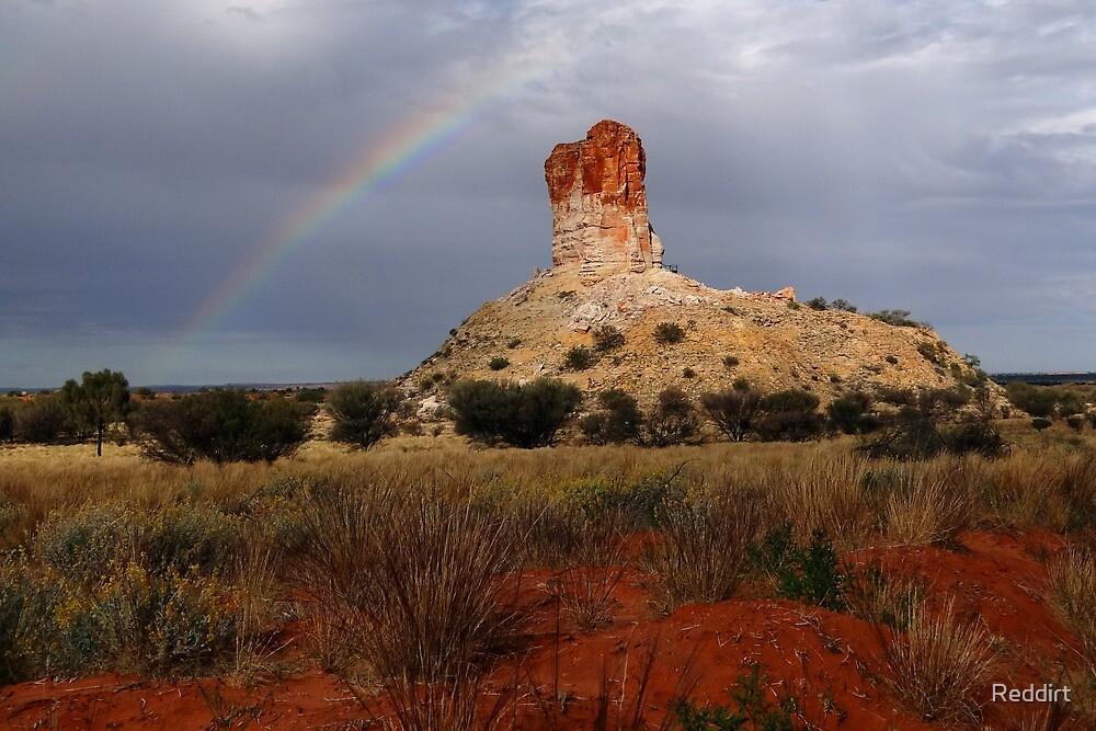 Rainbow at Chamber's Pillar by Reddirt