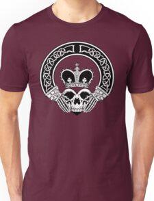 Claddagh (BW edition) Unisex T-Shirt