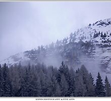 misty mountain by kippis