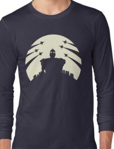 The Giant and the moon. Long Sleeve T-Shirt