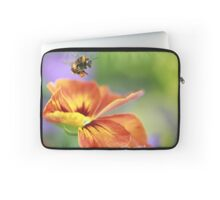 The pollen collector Laptop Sleeve