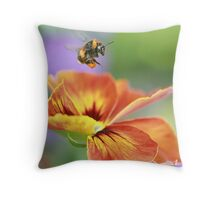 The pollen collector Throw Pillow