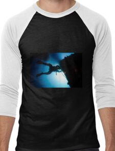 underwater Commercial diver welding pipes underwater. Men's Baseball ¾ T-Shirt