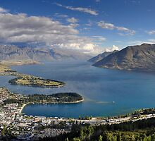 Lake Wakatipu by Roberto Bettacchi