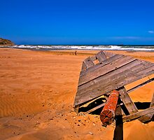 Sandy Red Beach (HDR) by Kuzeytac