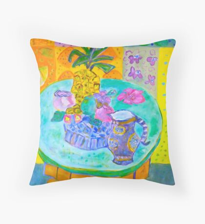 Pineapple fun Throw Pillow