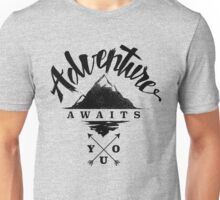 Adventure Awaits You - Cool Outdoor Shirt-Design Unisex T-Shirt