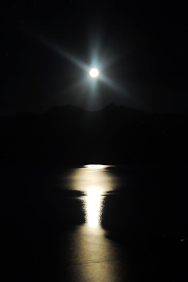 Moonlit Lake by HeavenOnEarth