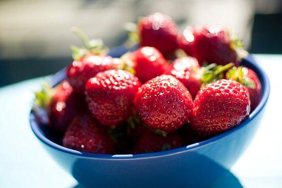 Strawberry by neatfoto