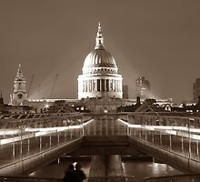 Millenium Bridge / St. Pauls, London, England, UK * by Justin Mitchell