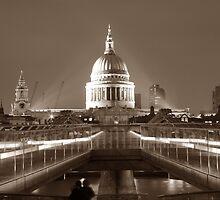 Millenium Bridge / St. Pauls, London, England, UK * by Justin Mitchell