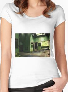 Abandoned Cabin Women's Fitted Scoop T-Shirt