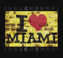 I love Miami - Vintage Miami by Nhan Ngo