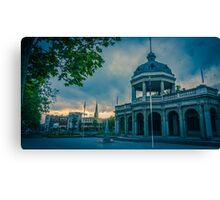 Sunset at the Soldiers Memorial - Bendigo, Victoria Canvas Print