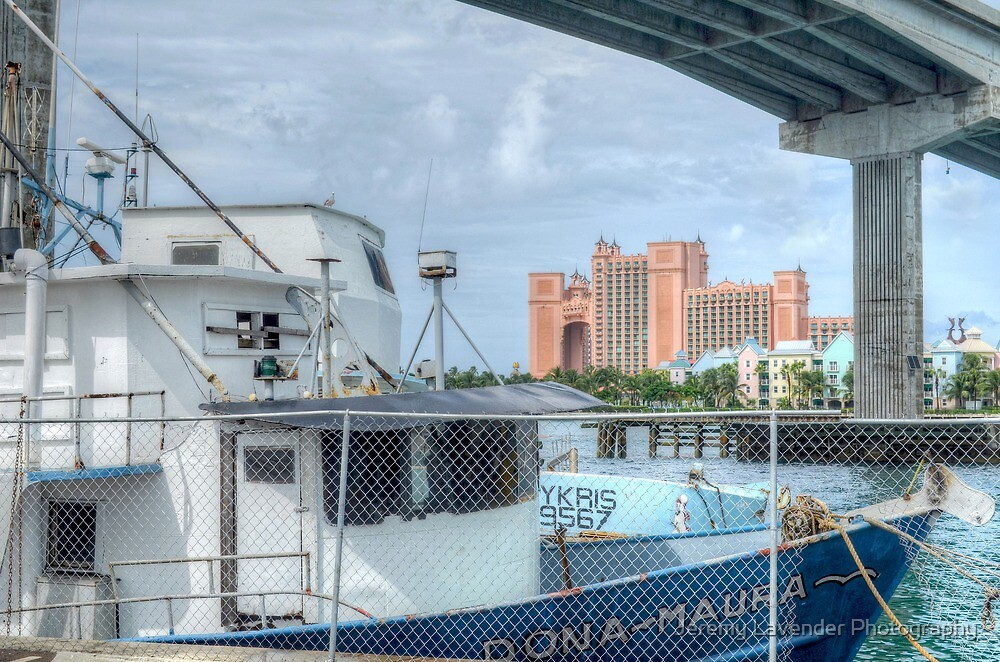 Atlantis view from Potter's Cay by Jeremy Lavender Photography