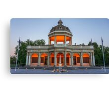 Soldiers Memorial at Sunrise in November 2013 - Bendigo Canvas Print