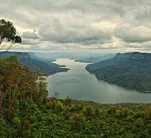 Burragorang Valley by Daniel Carr