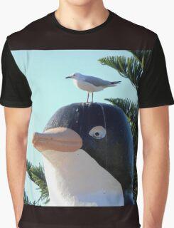 Startled Penguin, Penguin, Tasmania, Australia. Graphic T-Shirt