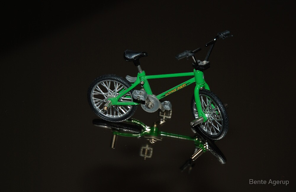 The green bike by julie08