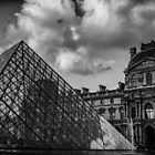 Travel BW - Paris Louvre by lesslinear