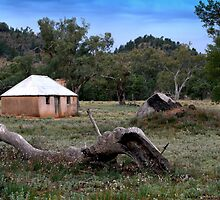 Old Wilpena Cottage by bekyimage