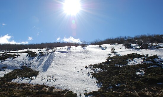 Snowy slope near Perisher by Catherine Davis