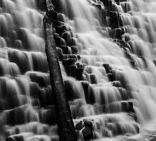 Dip Falls by Zac  Hookway